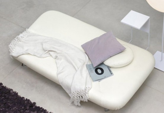 Cold Settee Meet From the Butterfly Side White Top